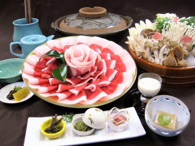 料)ぼたん鍋8300円